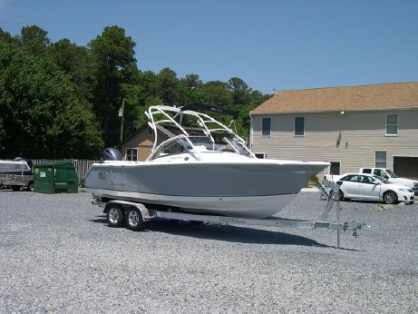 2015 Sea Hunt 235 Escape LE