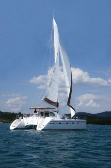 2002 Alliaura Marine Privilege 435