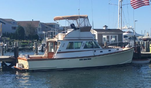 1993 Wilbur 34' Flybridge Cruiser