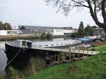 1928 Converted Living Ship With Mooring Spits