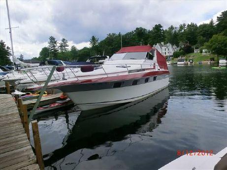 1987 Cruisers Yachts 336 Ultra Vee