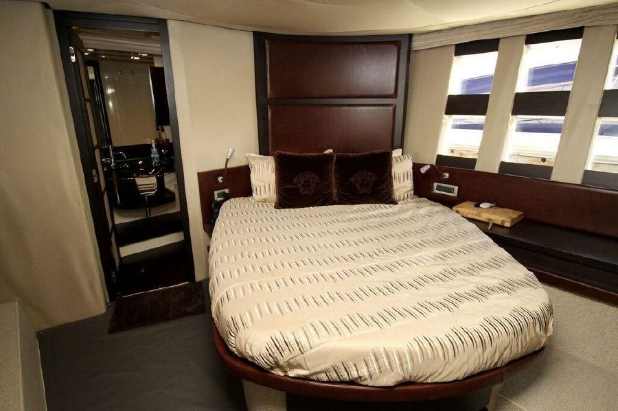 Azimut 62s luxury yacht for sale in san diego