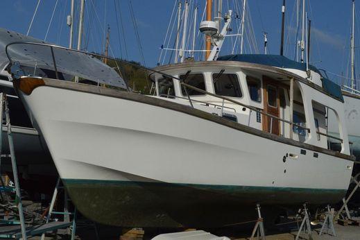 1982 Colvic 38 Trawler Yacht