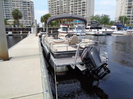 2016 Sun Tracker 240 Party Barge