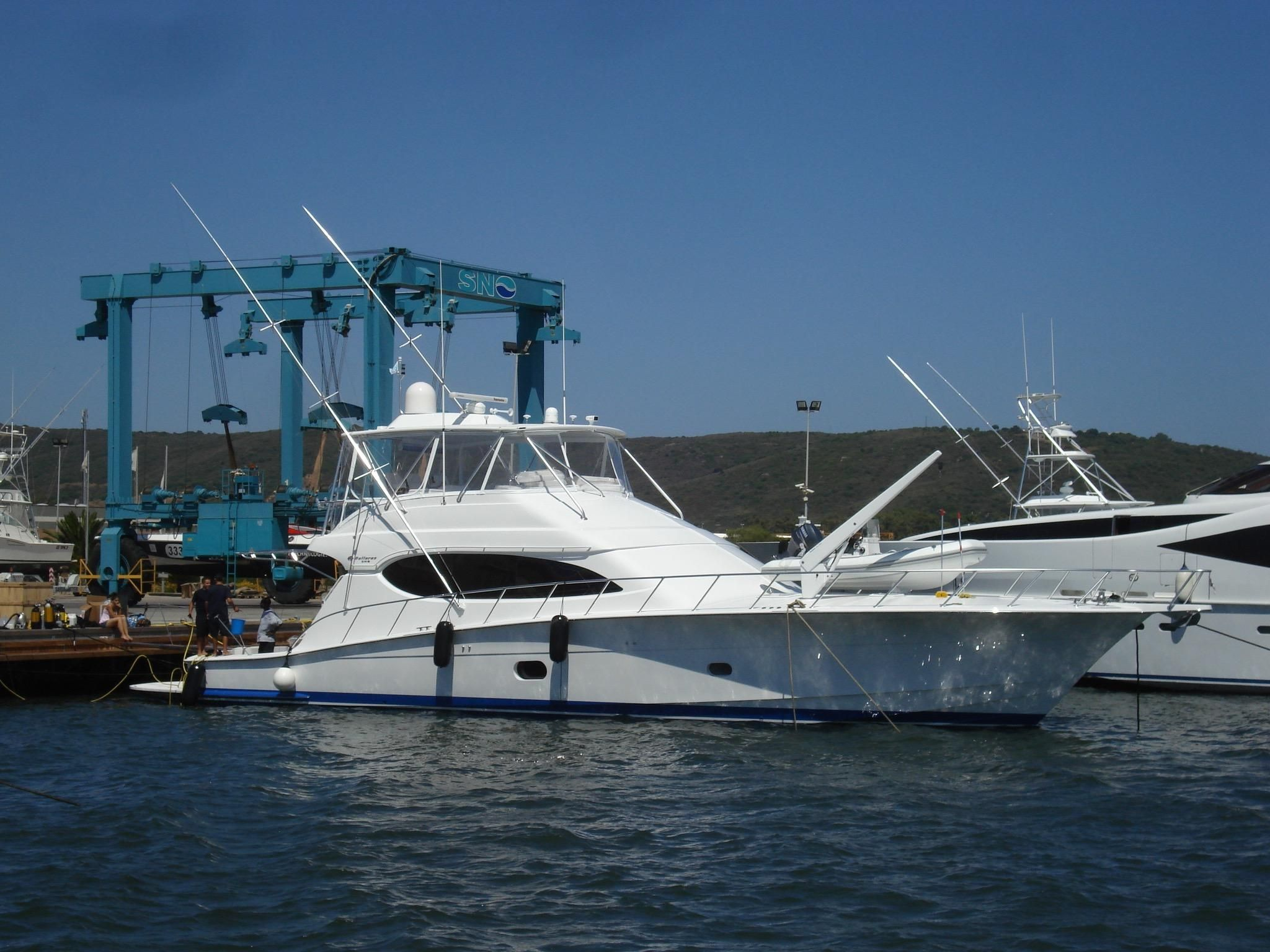 2009 Hatteras 68 Convertible Power Boat For Sale - www ...