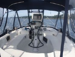 photo of  42' Hunter 420 Passage