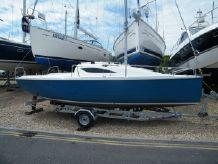 2011 Storm Yachts 22 Lift keel