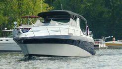 1989 Cruisers Yachts 3370