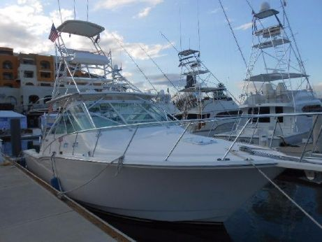 2005 Cabo Yachts Express w Tower