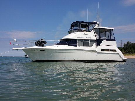 1998 Carver 355 Aft Cabin / Motor Yacht
