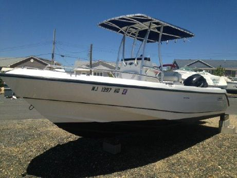 2007 Boston Whaler Outrage 210