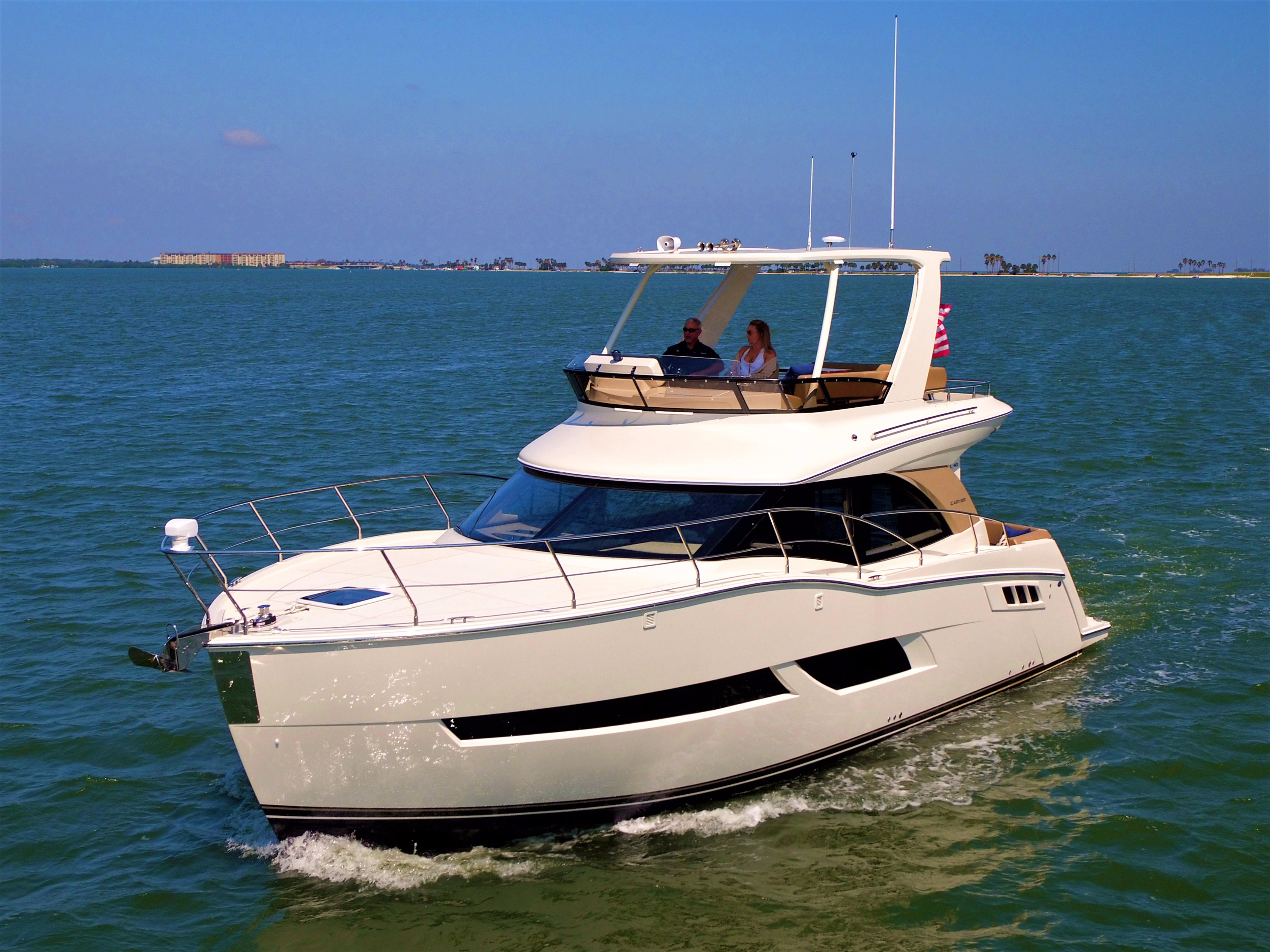 2018 CARVER YACHTS C40 Command Bridge Power New and Used ...