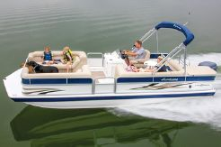 2015 Hurricane FunDeck 226