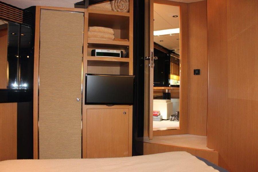 Riva Yachts 59 Mercurius Luxury Yacht Room Interior