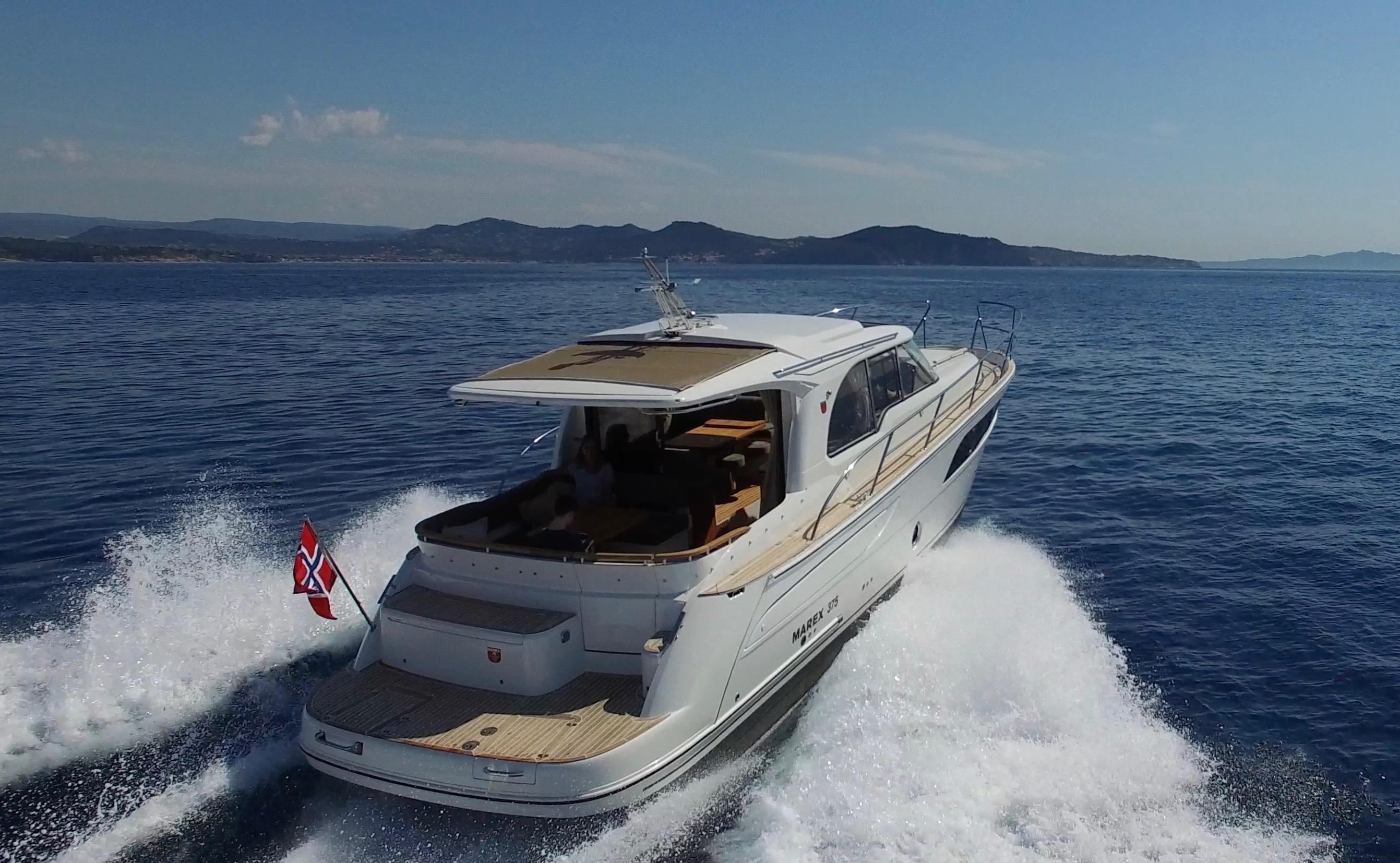 2017 marex 375 moteur bateau vendre. Black Bedroom Furniture Sets. Home Design Ideas