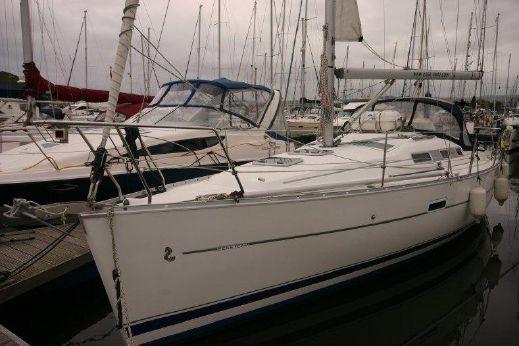 2008 Beneteau 323 Sail