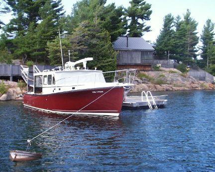 1999 Ellis 36 Sedan Lobster Yacht