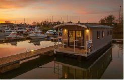 2020 Houseboat 36