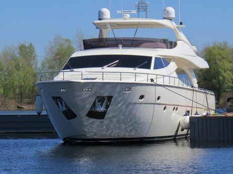 2010 Ferretti Yachts 881