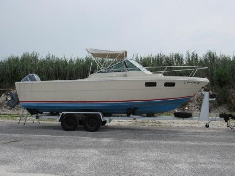 1982 Tiara 2500 Pursuit