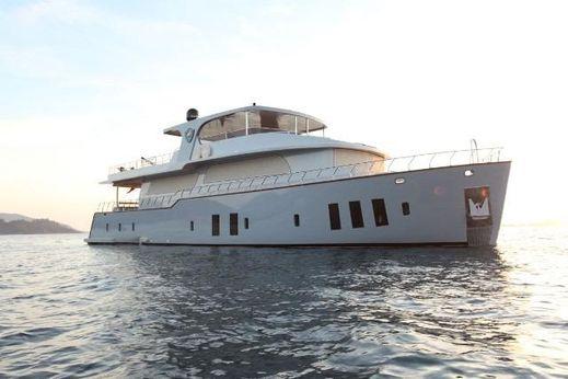 2015 Custom Trawler 26 M