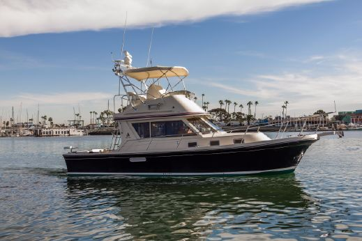 2006 Albin 36 TE Express Flybridge