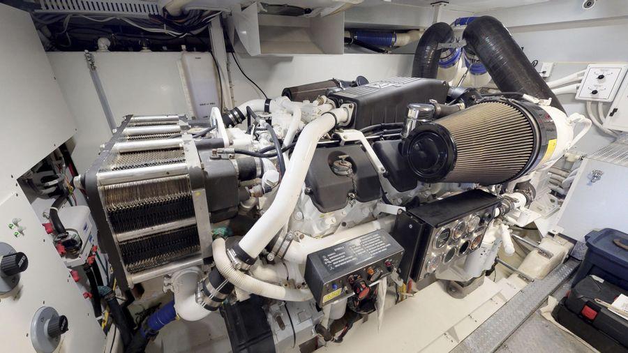 Marquis 690 Diesel Engine