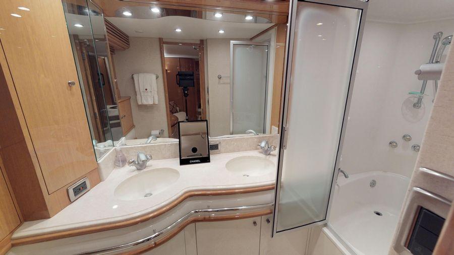 Marquis 690 Master Bathroom Head