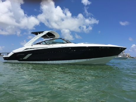 2014 Cruisers Yachts 328SS
