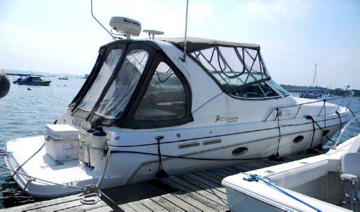 2002 Cruisers Yachts 3372 Express