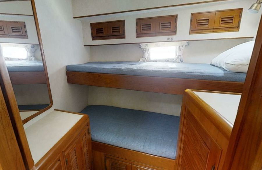 Offshore 55 Pilothouse Guest Bunks