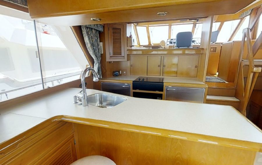 Offshore 55 Pilothouse Salon Interior