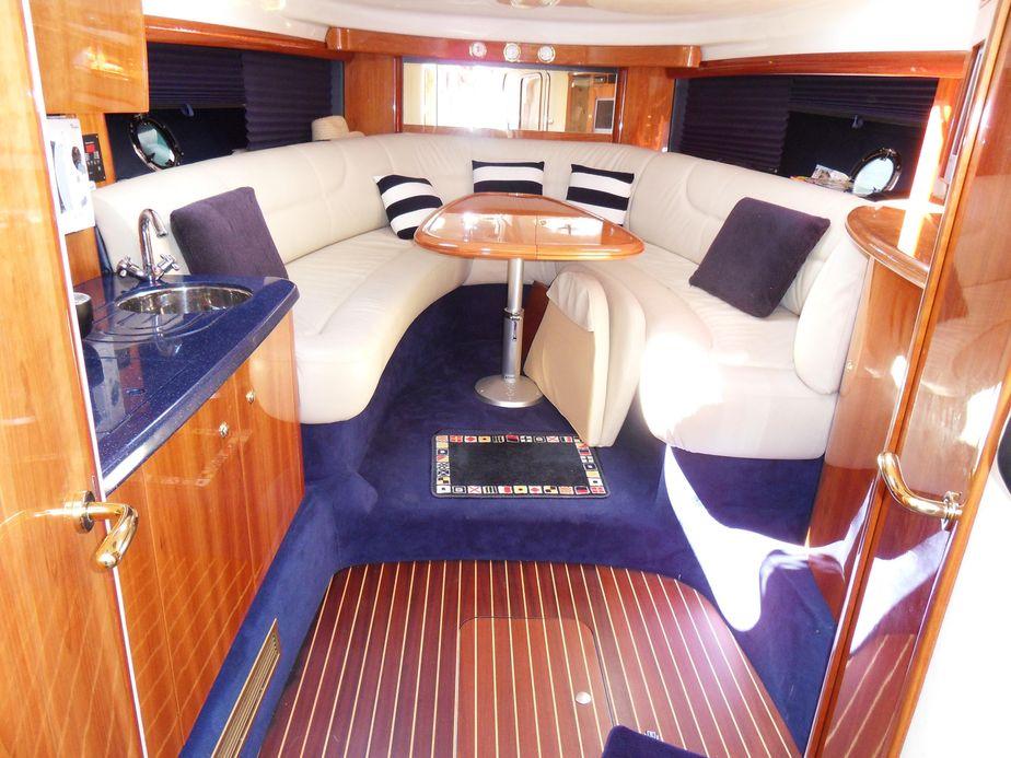 2005 Cranchi Endurance 41 Power Boat For Sale - www.yachtworld.com
