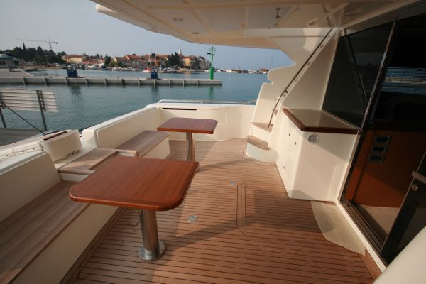 Ferretti 631 Type Motor. Additional equipment: transport from yards to ...