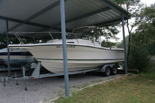 2000 Bayliner TROPHY 2352