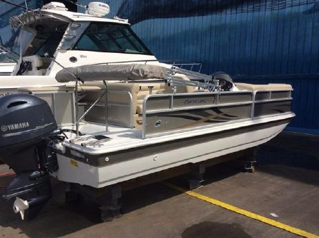 2015 Hurricane FunDeck 196