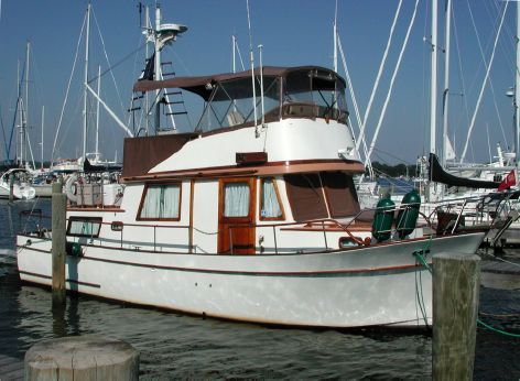 1979 Marine Trader 34 Double Cabin