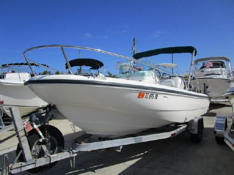 1998 Boston Whaler 18 Dauntless