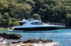 2015 Riviera 5000 Sport Yacht - IN STOCK