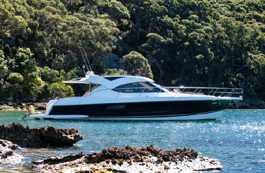 2015 Riviera 5000 Sport Yacht - IN STOCK