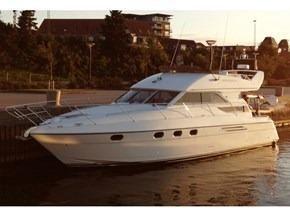1995 Princess 440
