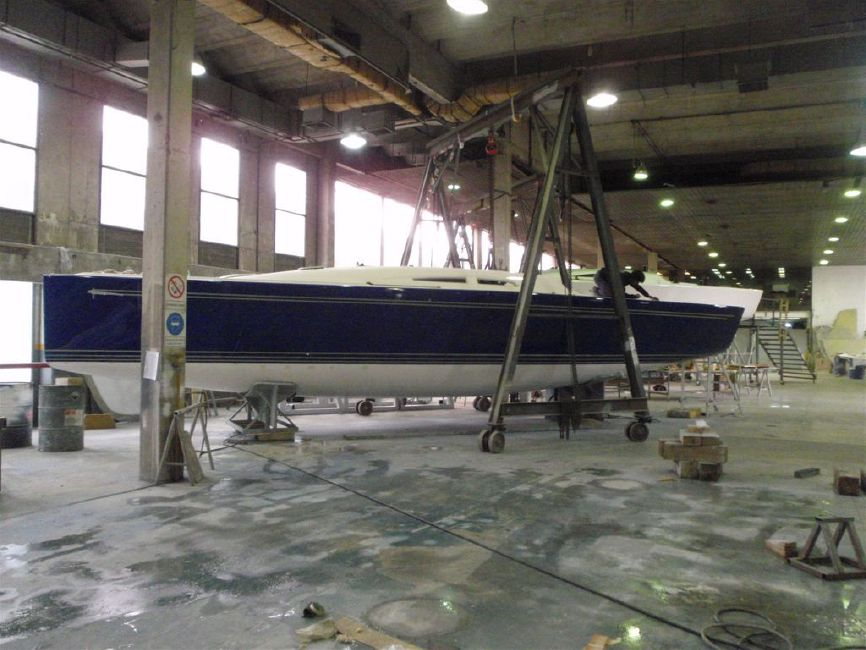 Summit-King 40 Racing Sailboat Manufacturing