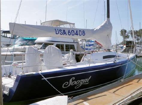 Summit King 40 Sailboat at Dock