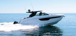 2019 Cruisers Yachts 38 GLS