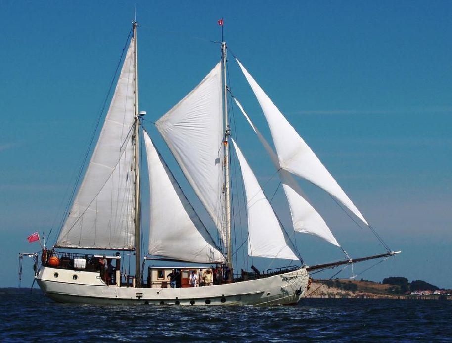 1947 schooner sailing barge