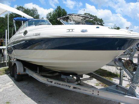 2004 Sea Ray Sundeck 240