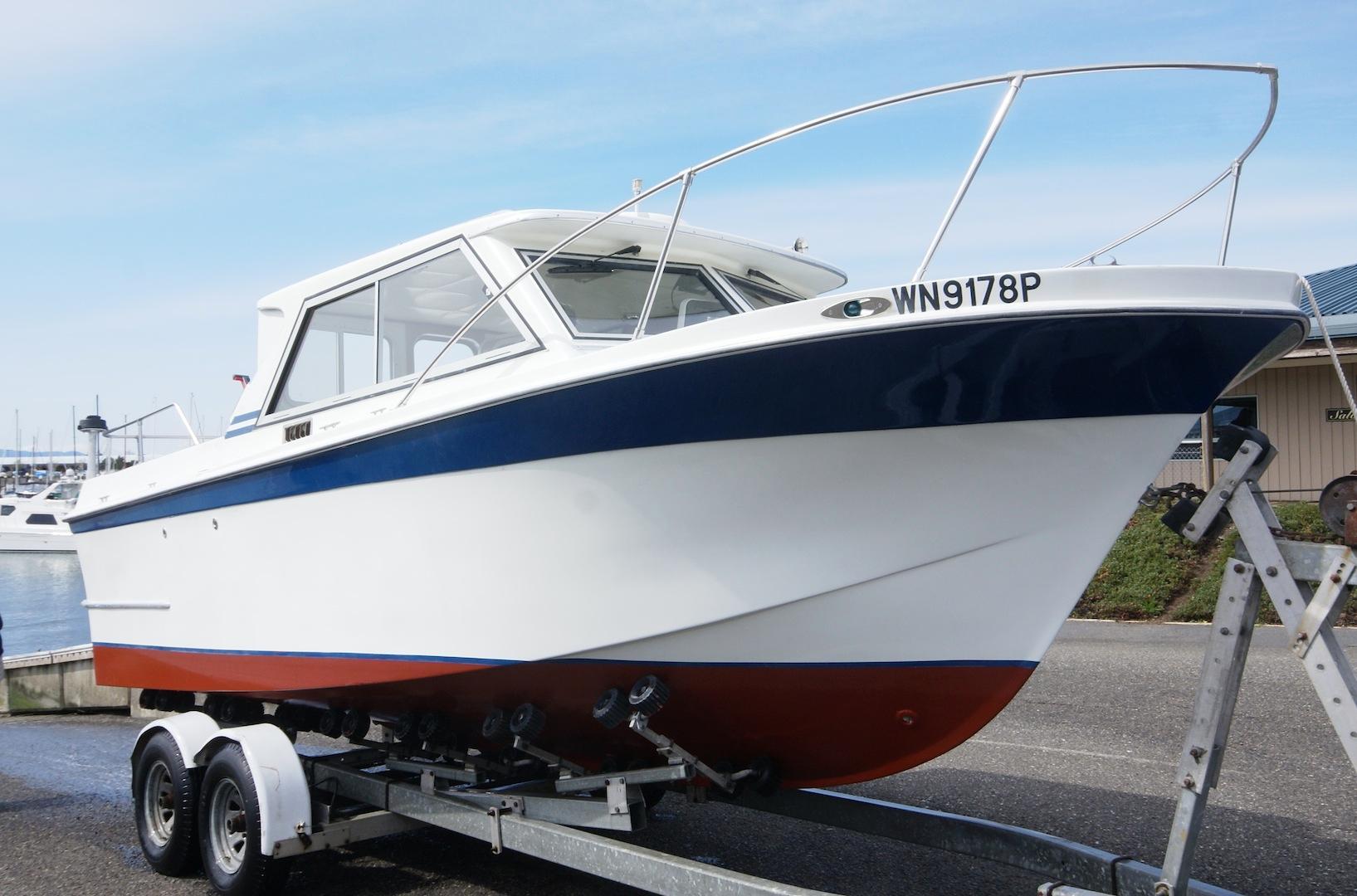 2011 uniflite sport fisherman power boat