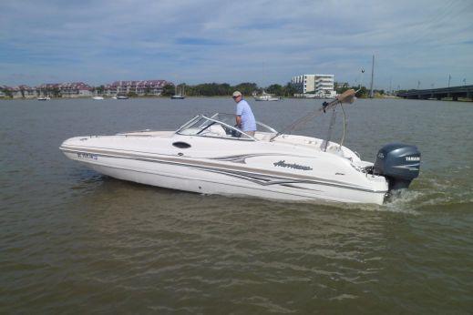2005 Hurricane SunDeck 237 OB