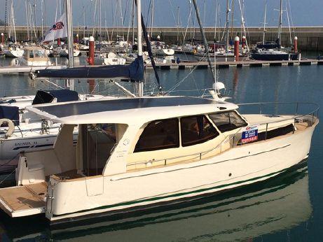 2012 Greenline 33 Hybrid