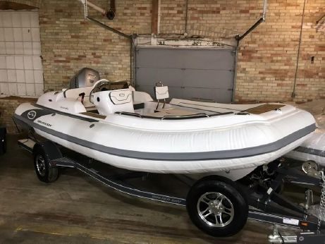 2017 Walker Bay Generation 525 DXL